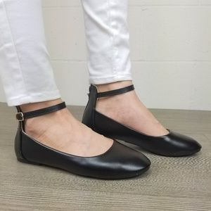Shoes - Round Toe Black Ankle Ballerina Flats -M 13152